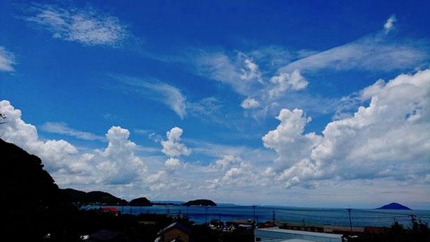 福岡県糸島市、深江海水浴場の空