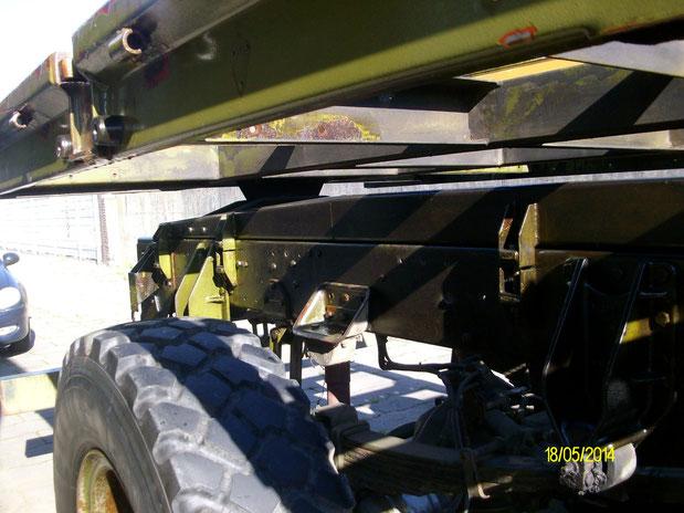 Es geht nicht ohne Arbeiten am Lkw! Trotz des gelben Zettels!