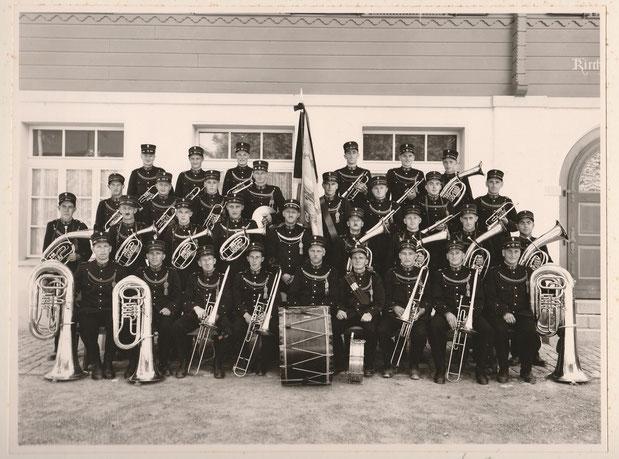 1950 mit der ersten Uniform, Dirigent Gottlieb Blatter