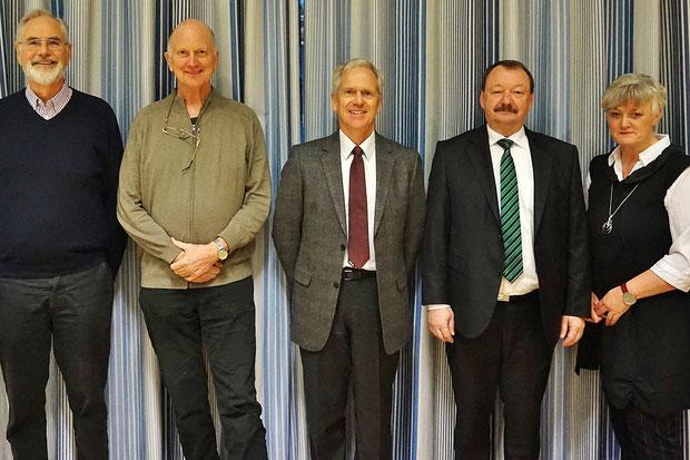 Von links nach rechts: Dr. Peter Böhm: Schriftführer, Egbert Schmidtke: Schatzmeister, Dr. Hans Piepenbrock: 1. Vorsitzender, Harald Schauder: 2. Vorsitzender, Marlies Goßheger: Beisitzerin