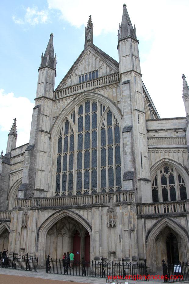 Sehenswürdigkeiten und Reisetipps Winchester, England: Kathedrale von Winchester
