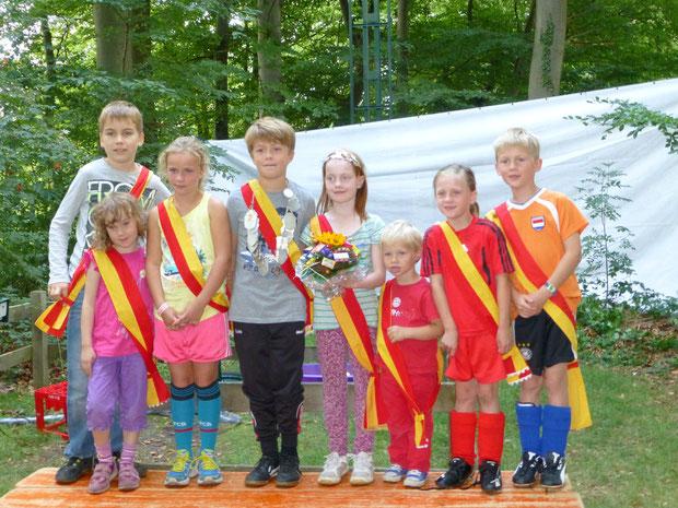 Kinderthron: Luca Vennemann, Annika Beer, Carla Gerke, Luis Schulze-Kolthof, Romy Schroer, Moritz Gerke, Malene Kaiser, Max Kaiser