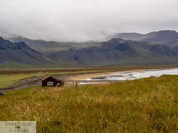 Kleines Häuschen in Búðir
