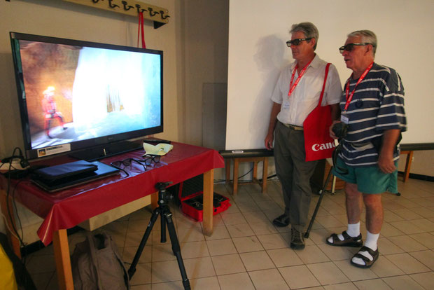The photo shows a 3D television with stereoscopic and audiovisual equipment  realized by Team.