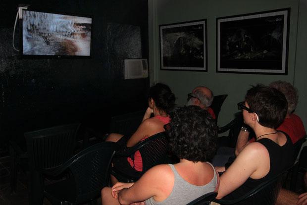 TV 3D installato presso le Grotte di Bellamar a Matanzas - Cuba