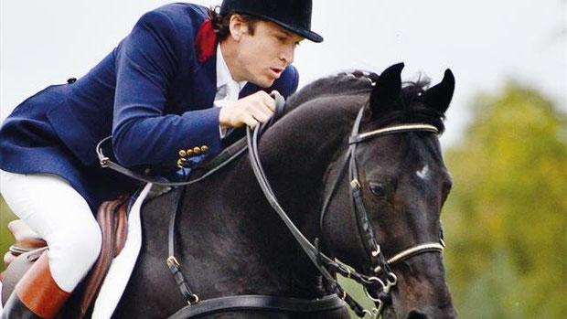 L'acteur Guillaume Canet sur son cheval