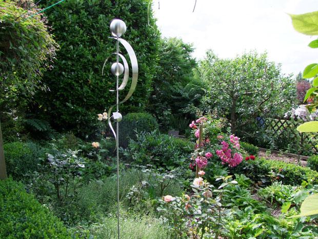 Edelstahl Stele Bild vom 23.06.2012 Kunst trifft Naturgarten