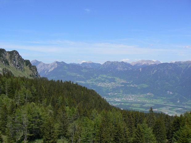 Aussicht von Gufera auf das Rheintal