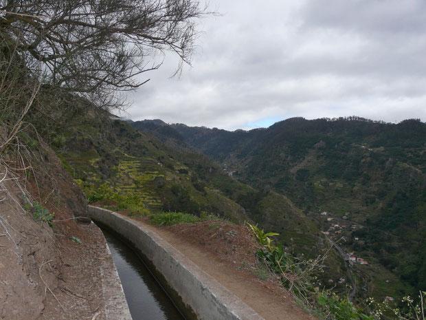Levada im Tal von Tabua