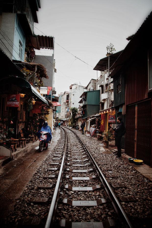 Anna - Foto 11 - Gefährliches Leben entlang der Eisenbahn