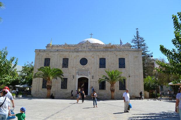 Церковь святого Тита. Расположена на центральной площади Ираклиона - Агиос Титос.