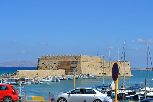 Венецианская крепость Кулес в порту Ираклиона