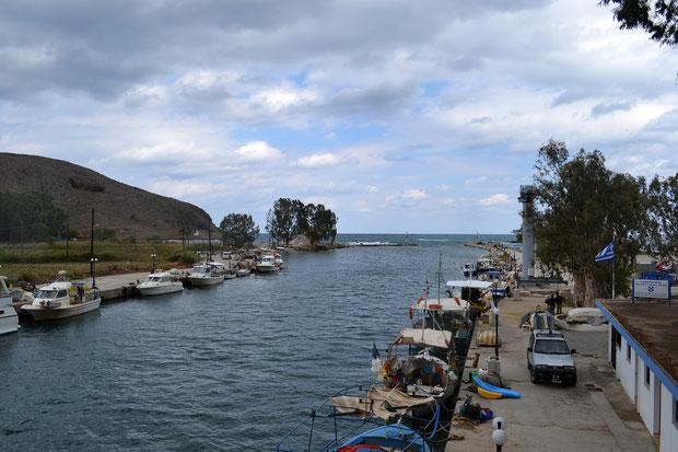 Река Алмирес, впадающая в Эгейское море