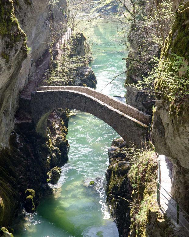 Pont de Brot L' Areuse Römerbtücke Areuseschlucht