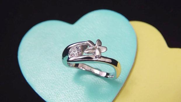 世界にひとつしかない婚約指輪