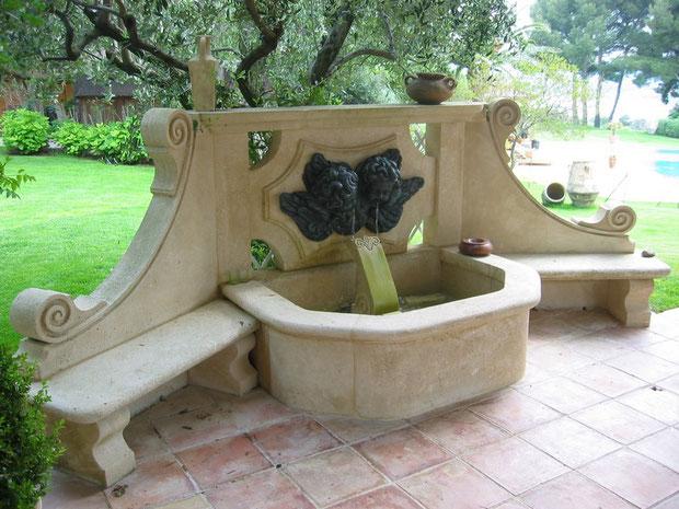 fontaine-pierre-saint-tropez-jardin-var-83-vente-taille-bancs