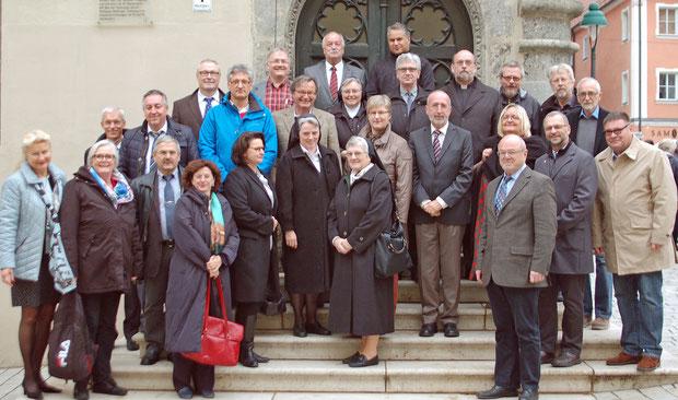Schulleiter (und einige Träger) der katholischen Fachakademien Bayerns bei der Herbsttagung 2015 in Nördlingen