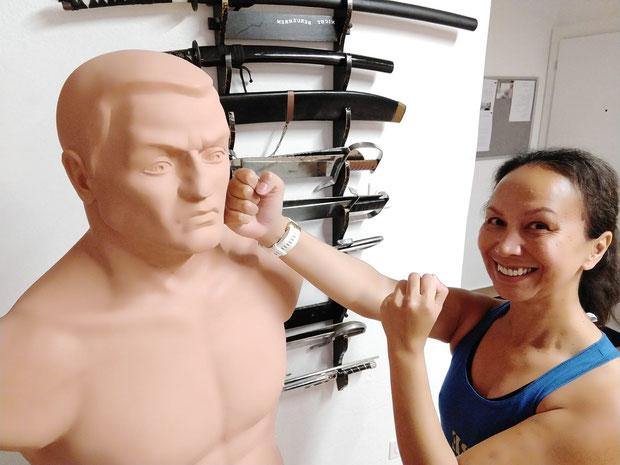 Mein geliebtes Kung Fu. BE STRONG: Selbstverteidigung und Fitness für Frauen und Kinder. Selbstverteidigungskurs für Frauen in Zürich Oerlikon. Selbstverteidigungskurse für Frauen und Kinder in Zürich Oerlikon
