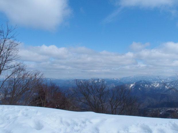 こんな感じでした。部子山さえ山頂は雲隠れです。