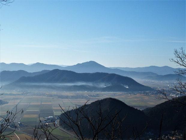 日野山にもまだ雪が見られませんか?