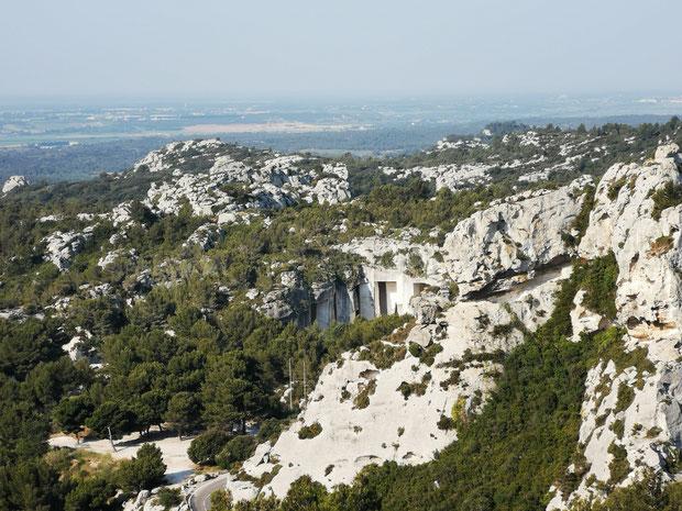 Cave de saragan dans le rocher aux beaux