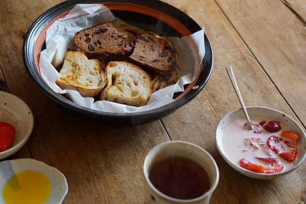 仲本律子 茨城県笠間市 女性陶芸家 お料理 平土鍋 パン トースト 焼く