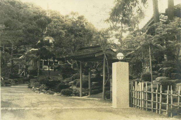白蓮が滞在した当時の「松雲閣」の写真(現長さん提供)