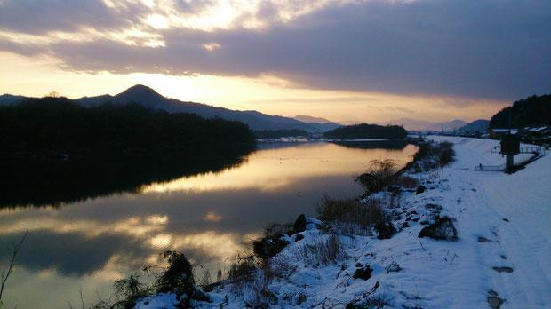 1月4日位田橋から見る由良川