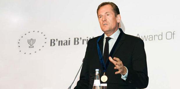 Dr. Mathias Döpfner, Preisträger des B'nai B'rith Europe Award of Merit, erhält dieses Jahr den Arno-Lustiger-Ehrenpreis.