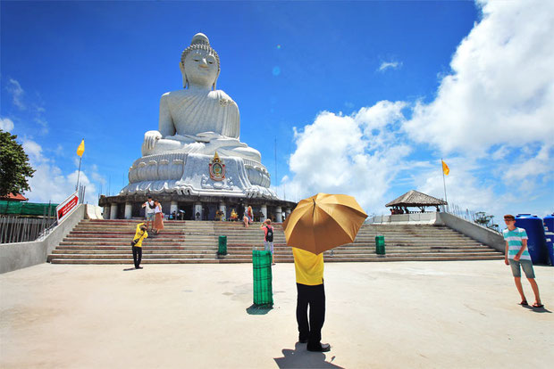 Big Buddha in Phuket | Travel Guide To Phuket: Things To Do in Phuket And Places To Stay | Phuket offers natural beauty, rich culture, white beaches, tropical islands and plenty of adventure activities | via @Just1WayTicket | Photo © Sabrina Iovino