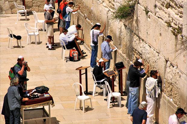 People praying at the Western Wall, Jerusalem, Israel © Sabrina Iovino   JustOneWayTicket.com