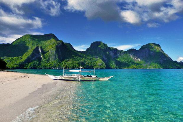 Helicopter Island, El Nido, Palawan, Philippines © Sabrina Iovino | @Just1WayTicket