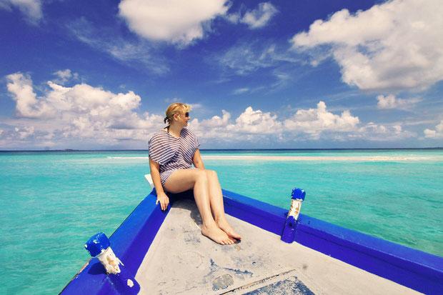 Island Hopping around Bandos Island - That one time I got invited to the Maldives © Sabrina Iovino | via @Just1WayTicket