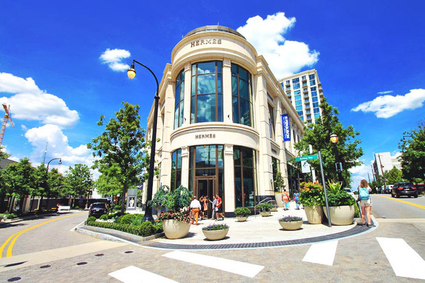 Shopping in Buckhead | 8 Fun Things to do in Atlanta | Travel City Guide | via @Just1WayTicket
