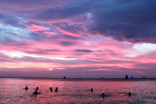 Another creamy sunset in Boracay, Philippines. 2013 © Sabrina Iovino | JustOneWayTicket.com