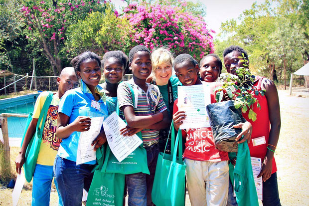 A day with the kids at Daktari Bush School | Volunteering with Wildlife and Children in South Africa - My Enriching Experience | via @Just1WayTicket