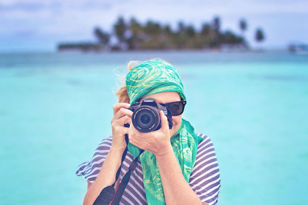 Travel Photographer | The Best Travel Jobs | 50 Ways To Make Money While Traveling The World | You want to work and travel? Pack your bags! Here is the most extensive list of the best traveling jobs in the world | via @Just1WayTicket