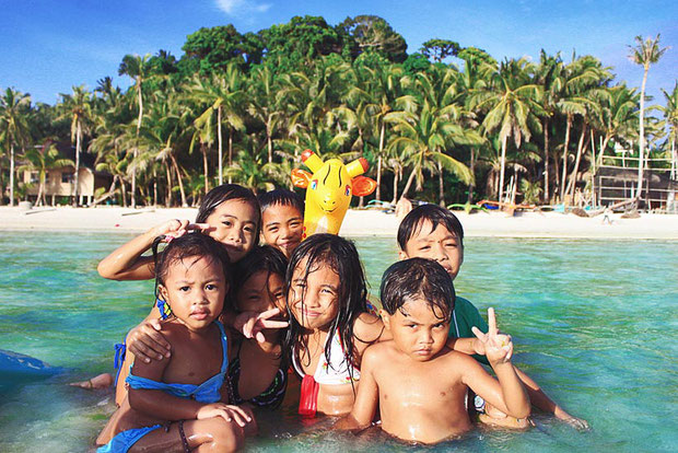 Kids in Siquijor. Philippines 2012 © Sabrina Iovino | JustOneWayTicket.com