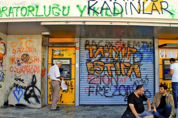 Violent clashes and riots @ Taksim Square in Istanbul Turkey, June 2013 © Sabrina Iovino