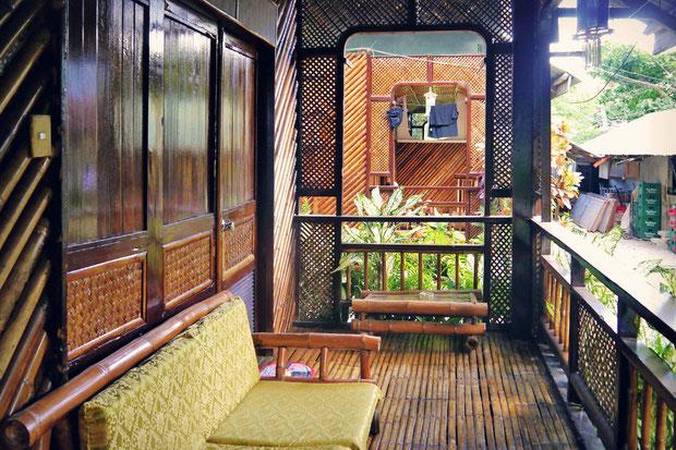 Frendz Resort Boracay © Vanessa Menchaca | www.WanderOnwards.org