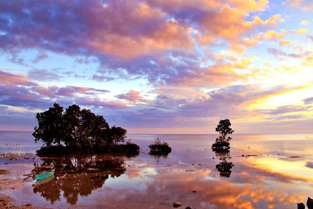 Beautiful sunset in Bohol, Philippines 2013 © Sabrina Iovino | JustOneWayTicket.com