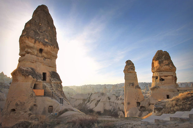 Bizarre rock formations and fairy chimneys in Cappadocia © Sabrina Iovino | JustOneWayTicket.com