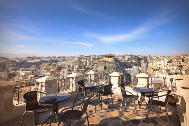 The terrace of the Castle Inn Hotel in Cappadocia © Sabrina Iovino | JustOneWayTicket.com
