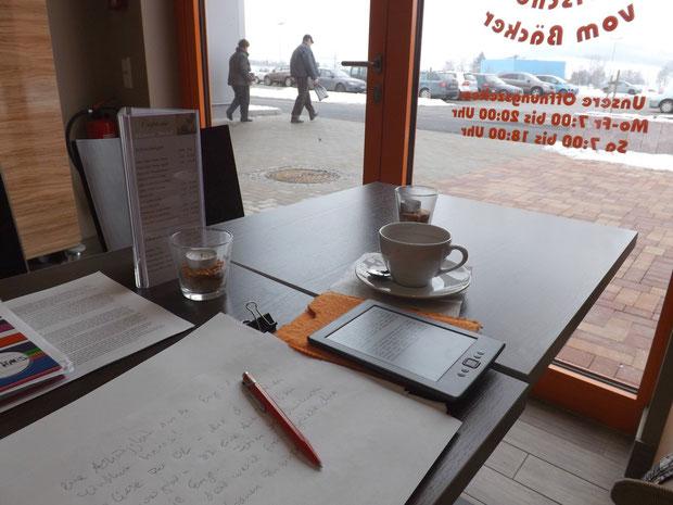 Schreiben im Café