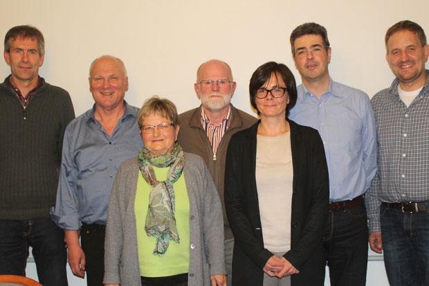 Gewähler Vorstand des Fördervereins Piéla-Bilanga v.l.n.r. Rolf Wiedmann, Erwin Wiest (Vorsitzender), Anita Isser, Werner Altvater (Kassier), Dr. Pascale Pouzet, Ralph Stern, Claus Lukat