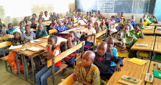 Eine Klasse der Primarschule in Kankalsi - 2019