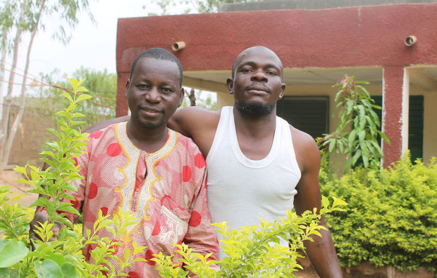 links Fanikeba, der Hausmeister  rechts Belem, der Chaufeur