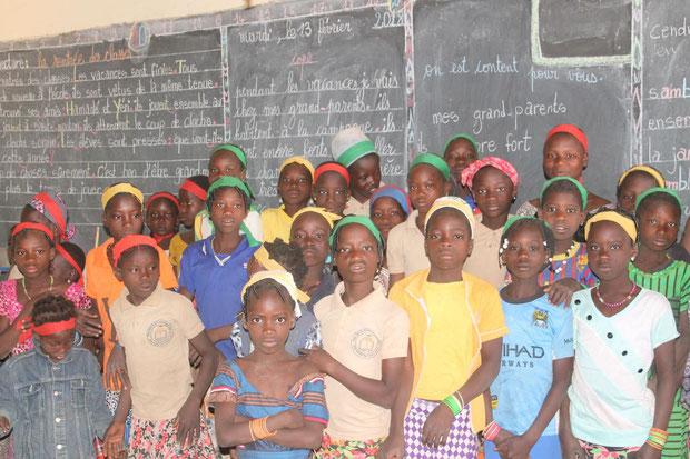 Schule Djoari - die Mädchen