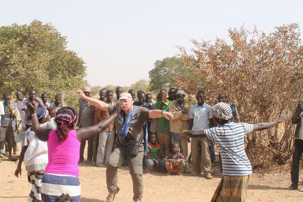 Empfang Djoari - Tanz mit den Frauen