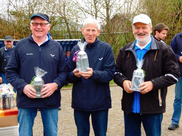 6. Platz für die Breklumer Geest-Bouler (v.l.) Karl-Heinz, Otto und Hinrich